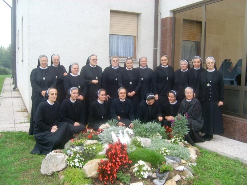 Zajednica sestara dc (2)