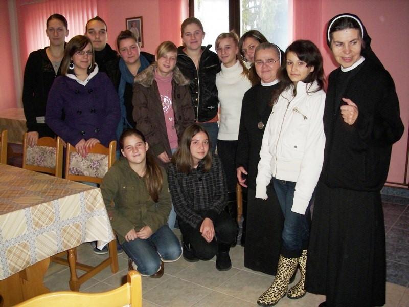 Zajednica sestara dc (7)