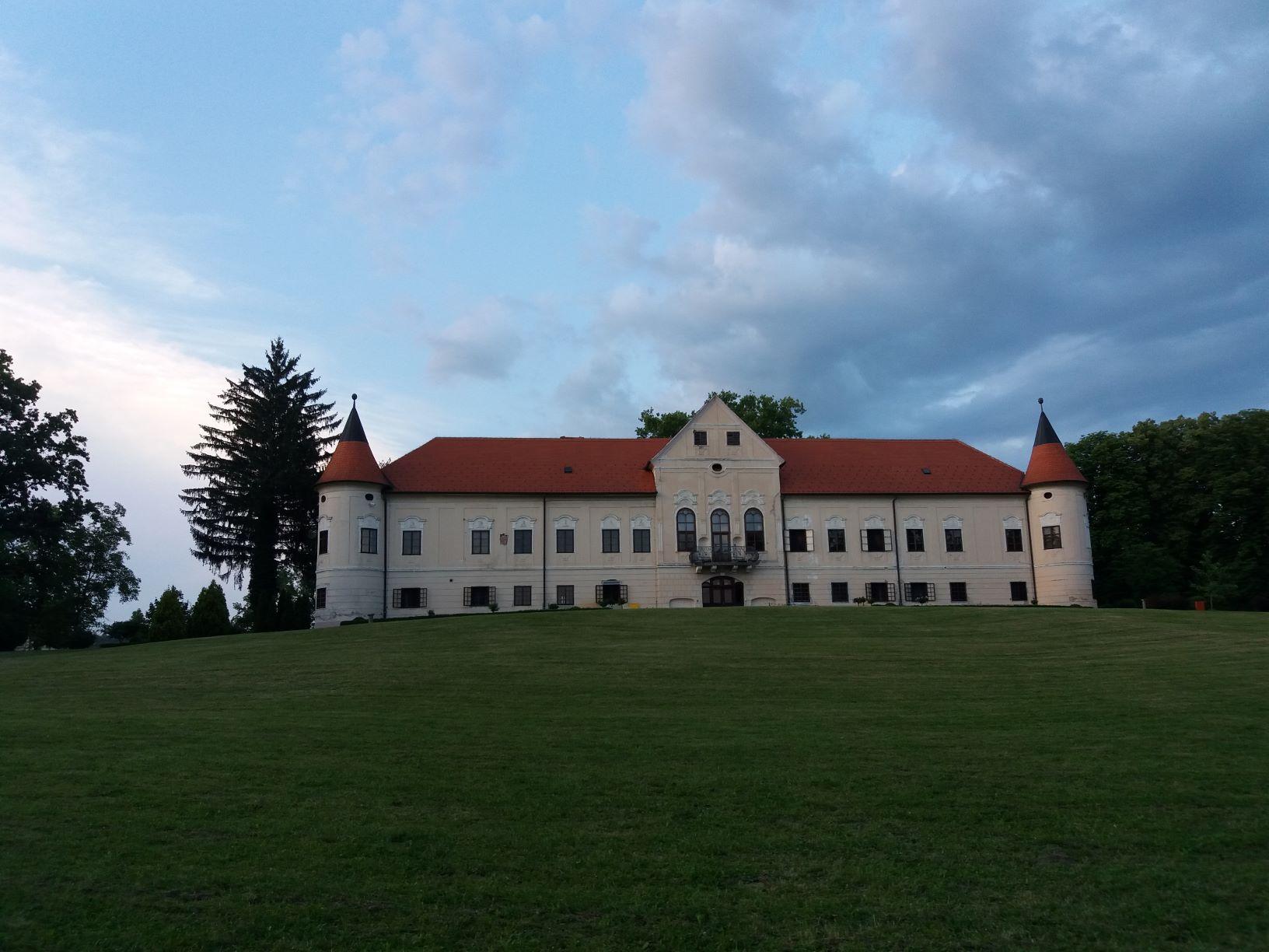 Web dvorac