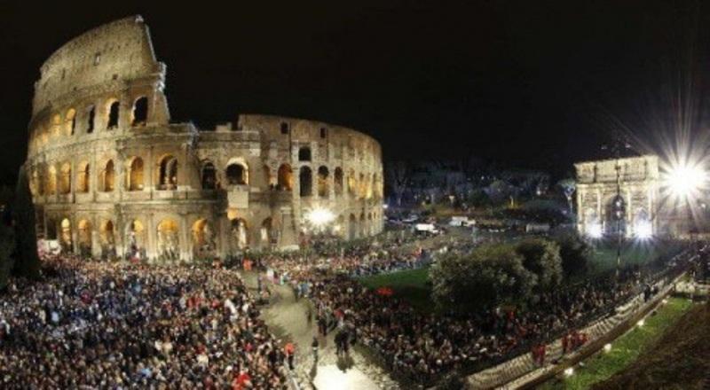 Molitva pape Franje nakon Križnog puta u Koloseumu