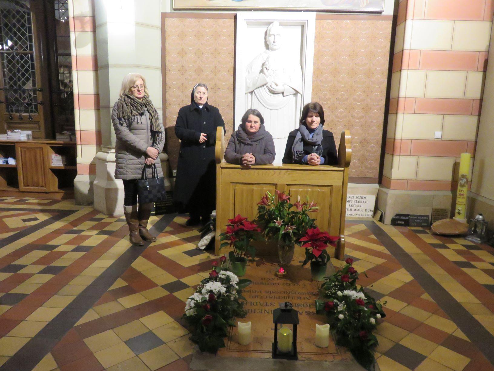 Katedrala 12