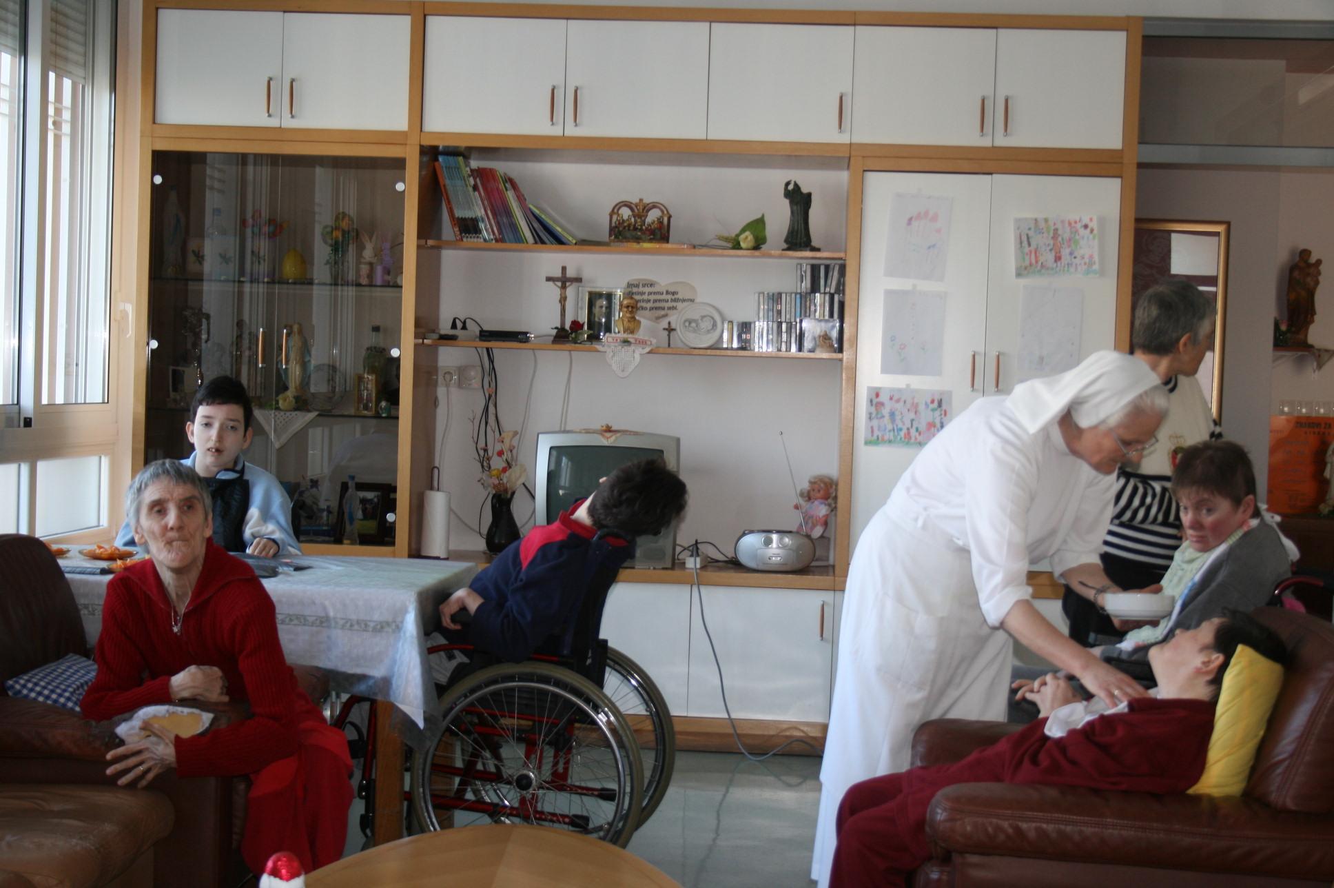 Reportaža o našim sestrama u Solinu